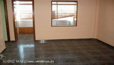 Badajoz Apartment for Sale    with 3 Bedrooms