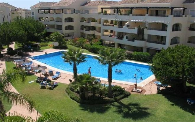 Rent Apartment Marbella with Pool  and  4 Bedrooms