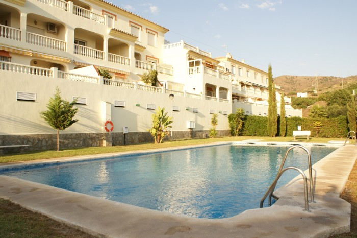 Rent Apartment Torrox with Pool  and  1 Bedrooms