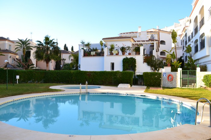 Rent Apartment Nerja with Pool  and  2 Bedrooms